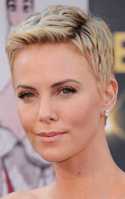 Short Haircuts for Oval Faces Pixie Cuts